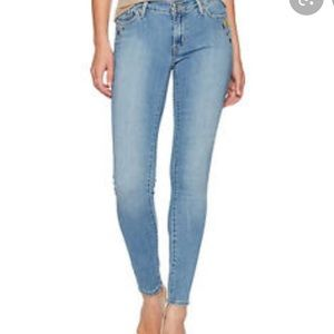 Levi's 711 skinny decal jean